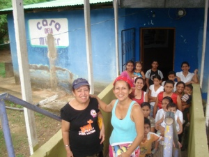 Mayra, Argelia, and children of some of the women
